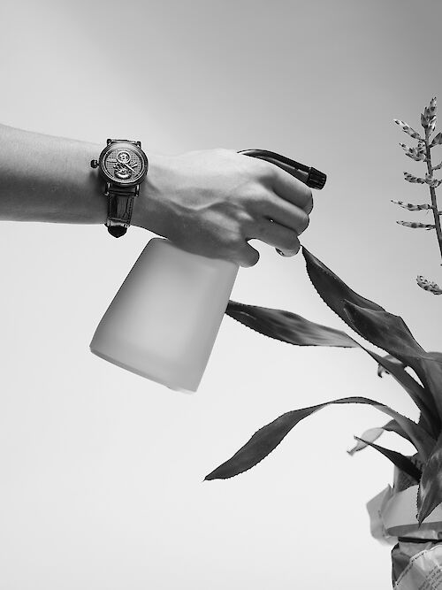 CHRISTIAN HAGEMANN shoots a new watch story