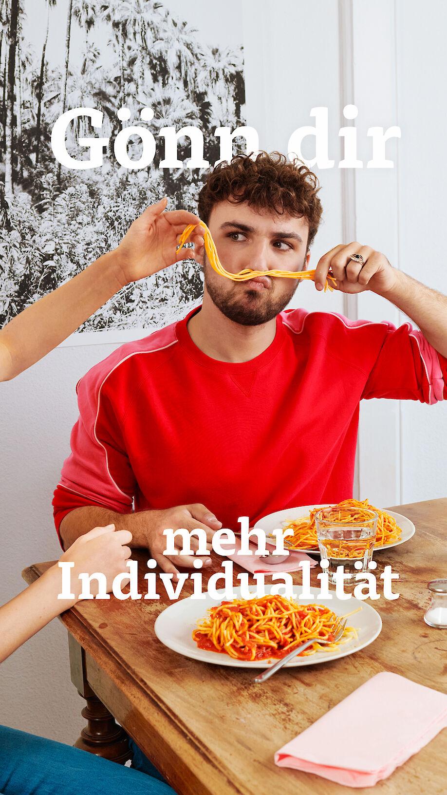 SABINA BÖSCH shoots a campaign for DIE MOBILIAR